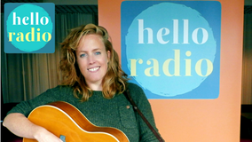 Hello Radio interview met Anke Timmer singer en songwriter