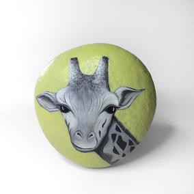 Galet décoratif GIRAFE - peinture acrylique sur galet de rivière - fini satiné