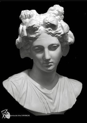 Cabeza femenina (Yeso)