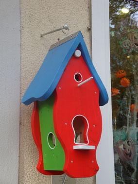 Charitymarket.de: nachhaltig, fair und handgefertigt, Das Vogelhaus der Produktionsschule Wilhelmsburg