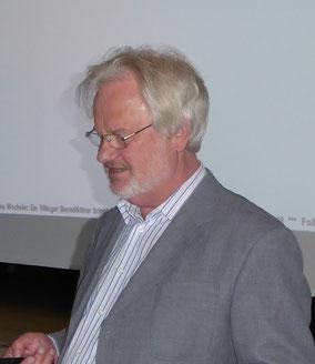 Dr. Michael Raub bei seinem Vortrag