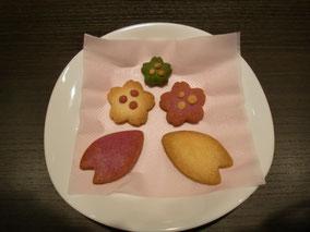 春のイメージにぴったりのクッキーを添えて・・・