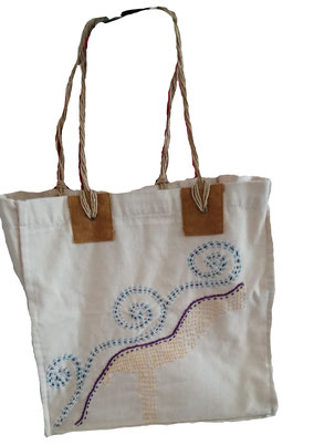 Handgeborduurde tas