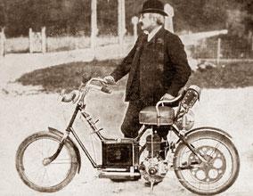 """Scooter """"auto-fauteuil"""" Gauthier, années 1900"""