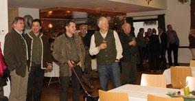 Eine Gruppe Deutsch Jagdterrier Profis gut gelaunt.