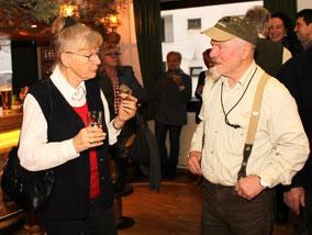 Fachsimpeln: Inge Welzig und Josef Siedler