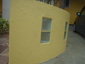 熊本〇様家塀塗り替えをオリジナルクリームカラーにて塗装。