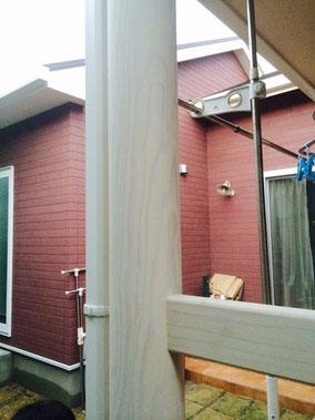 熊本市I様家の木製柱・木製手摺り塗装完成。スタイリッシュホワイト塗装