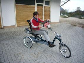 Dreirad fahren trotz Behinderung
