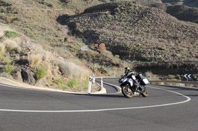 Motorradfahren in den Bergen von Gran Canaria