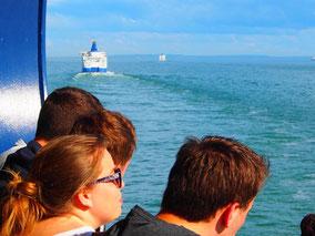 auf dem Weg ins Wochenende: auf der Fähre Dover-Calais