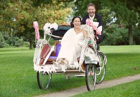 Huwelijk riksja fietstaxi bruiloft fotoreportage trouwen familiedag bedrijfsuitje vrijgezellenfeest