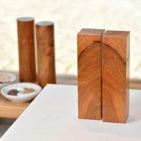 Pfeffermühle und Salzstreuer aus heimischem Edelholz als individuelles Set zusammengestellt
