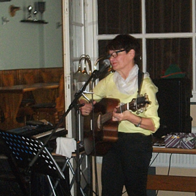 Siegi Wilke auf einem Konzert bei der Niegripper Volkssolidarität 2017