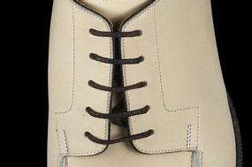 紗乃織靴紐