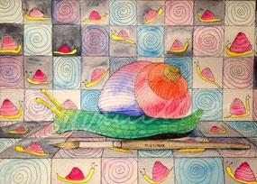 Illustration, Schnecke in Grün-Gelb mit regenbogenfarbenem Haus, kriechend auf einem Treppenabsatz mit bunten Fliesen,  auf denen Schnecken zu sehen sind. Unterhalb der Schnecke liegt ein Haarpinsel. Aquarell-Illustration von silvanillion