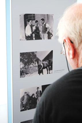 """Gerardo entdeckt seinen Vater Heinz Rosenhain (mittleres Foto: """"Zum Abschied von Heini..."""")  (Foto: Jens Meier)"""