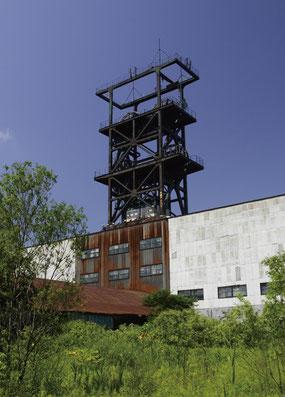 赤平市のシンボル旧住友赤平炭鉱立坑。炭鉱遺産をめぐるツアーも好評(画像提供:赤平市)