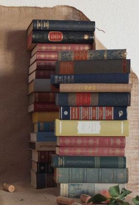 Alte Bücher als Hochzeitsdekoration