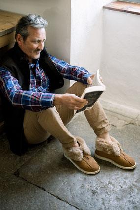 pantoufles chaussons chausson homme en peau de mouton zip ouverture pour pieds gonflés circulation du sang