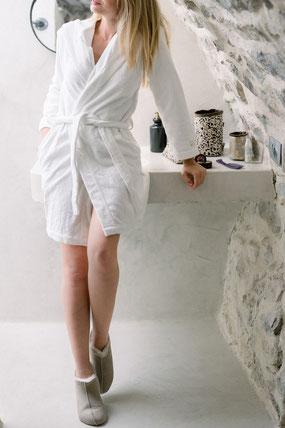 chaussons en peau d'agneau double face fourré femme fourrure de mouton beige sable écru blanc