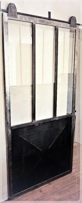 Fabrication de porte coulissante type atelier sur mesure - Métal Bois Design