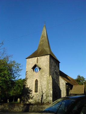 ダーウィン一家が通った教会。説明書きがされるプレートが掲げられる。訪れた時はベルリンガーの練習の日で鐘が鳴り響いていた。