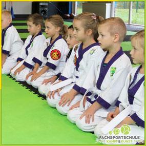 Selbstverteidigung mit Karate - Freundschaft Team & Fairness
