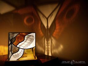 lampe papillon vitrail atelier olivette