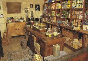 carte postale du musée des commerces d'autrefois à Rochefort sur mer