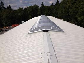 Iso Dach  mit Lichtband