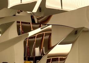 AXEL ANKLAM, Path, 2020, Edelstahl, titanbeschichtet, 49 x 69 cm, €4.900,--