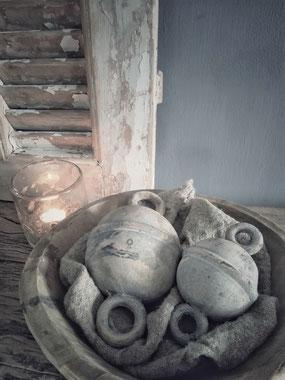 Set van 2 stenen ornamenten Chains (merk Brynxz), Stoer, Sober, Industrieel, Puur, Robuust, Grof, Landelijk wonen, Sfeervol, Geleefd, Stijlvol, Doorleefd, landelijke stijl, landelijke decoratie, vintage.