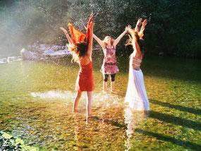 Michaela Hold Beziehungscoaching Life Coaching Einzelaufstellung Familienaufstellen Holistic Pulsing Ausbildung spirituelle Lebensberatung Kartenlegen Quantenheilung Reiki
