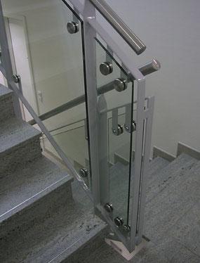 Brüstungen, Balkonverglasung