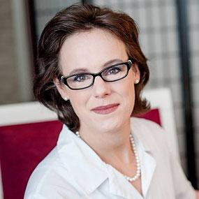 Frau Daniela Hirsch-Hoffmann