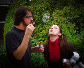 JERRY FINNEGAN'S SISTER (Eine Liebeskomödie auf Englisch) - Doug Andrews & Victoria Halper