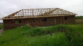 seitliche Dachkontruktion Schulhausbau Dyarama