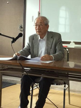講演中の平岡英氏    写真:田村七重