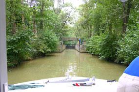 Hausboot-Tour auf dem Canal de Montech, Canal Latéral à la Garonne und Petite Baise