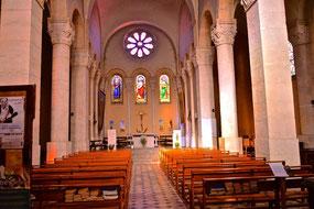 Bild: Église Marie Madaleine in Saint-Montan im Département Ardèche