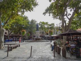 Bild: Place Saint Louis in Aigues Mortes