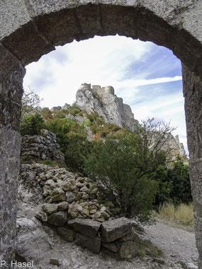 Bild: Fußweg zu Château de Peyrepertuse - Katharerburg Peyrepertuse