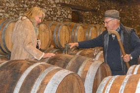 Bild: Hilke Maunder beim Armagnacwinzer Francis Dèche vom Chateau Millet