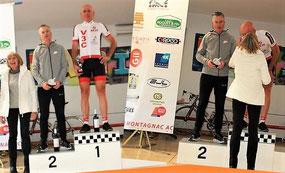 """Le podium de la catégorie ( le 3ème a """"snobé""""...!)-----"""