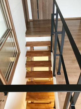 階段吹き抜けはスチールフェンス!