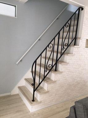 階段7段分のオシャレなアイアン手摺