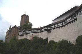 ヴァルトブルク城。ルターが翻訳を行った部屋も残っている。