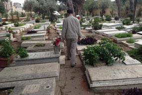 Le cimetière des martyrs palestiniens à Beyrouth. (Photo : Marion Kawas, The Palestine Chronicle)