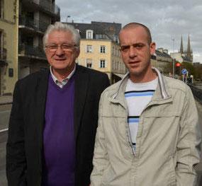 Jean-Claude Lefort et Salah Hamouri en 2012 à Quimper